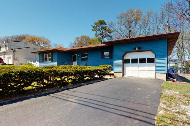 1952 Ravenwood Drive, Toms River, NJ 08753 (MLS #22015359) :: The Premier Group NJ @ Re/Max Central