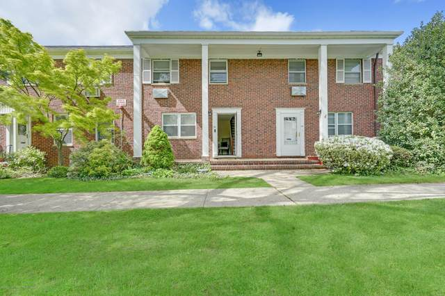 121 Manor Drive, Red Bank, NJ 07701 (MLS #22015845) :: The Sikora Group