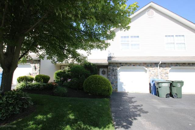 28 Saratoga Court, Tinton Falls, NJ 07753 (MLS #22015989) :: The MEEHAN Group of RE/MAX New Beginnings Realty