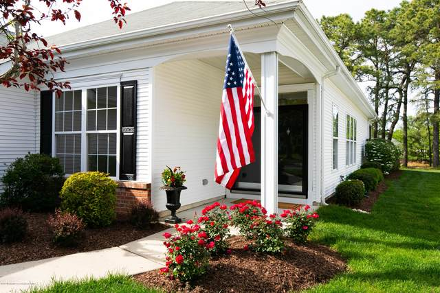 19 Spring Valley Drive, Lakewood, NJ 08701 (MLS #22016144) :: The Premier Group NJ @ Re/Max Central