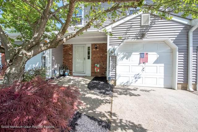 46 Oak Lane, Eatontown, NJ 07724 (MLS #22016218) :: The MEEHAN Group of RE/MAX New Beginnings Realty