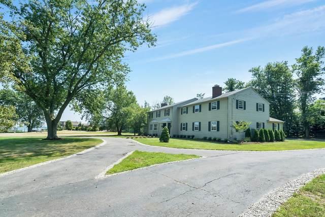10 Broadmoor Drive, Rumson, NJ 07760 (MLS #22016404) :: The MEEHAN Group of RE/MAX New Beginnings Realty