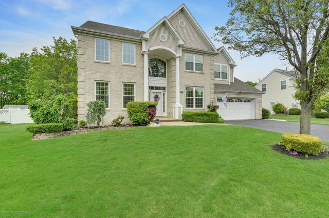 2382 Forest Circle, Toms River, NJ 08755 (MLS #22016594) :: The MEEHAN Group of RE/MAX New Beginnings Realty