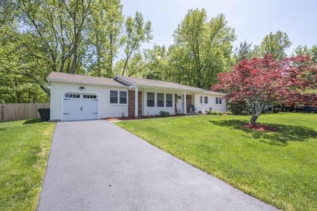 7 Riley Road, Morganville, NJ 07751 (MLS #22016635) :: The Dekanski Home Selling Team