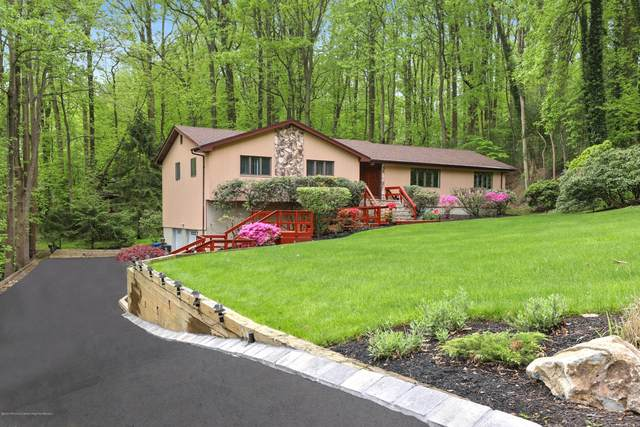 2 Victoria Place, Holmdel, NJ 07733 (MLS #22016819) :: Vendrell Home Selling Team
