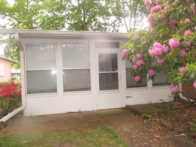 104A Edinburgh Lane #1001, Lakewood, NJ 08701 (MLS #22016941) :: The MEEHAN Group of RE/MAX New Beginnings Realty