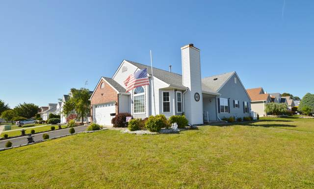 54 Stockport Drive, Toms River, NJ 08757 (MLS #22017148) :: The MEEHAN Group of RE/MAX New Beginnings Realty