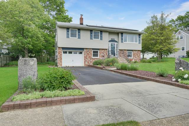 1306 Lenape Trail, Manasquan, NJ 08736 (MLS #22017492) :: The MEEHAN Group of RE/MAX New Beginnings Realty