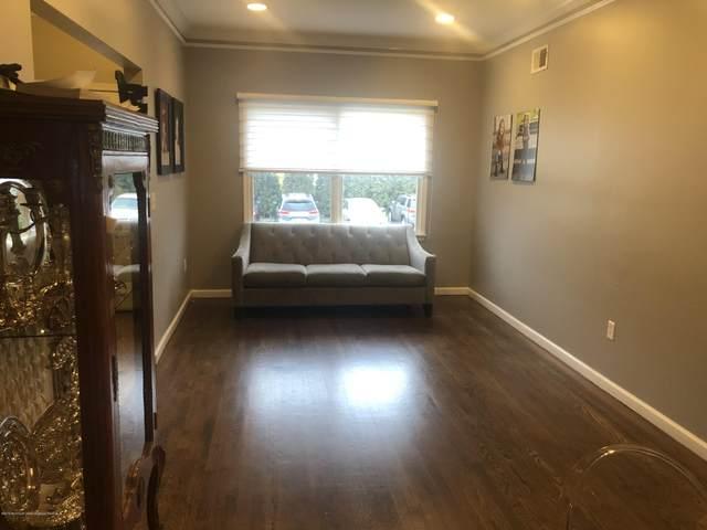 8 Taft Avenue, Lakewood, NJ 08701 (MLS #22018812) :: The MEEHAN Group of RE/MAX New Beginnings Realty