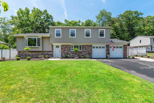 11 Camelot Court, Manalapan, NJ 07726 (MLS #22019762) :: The Sikora Group