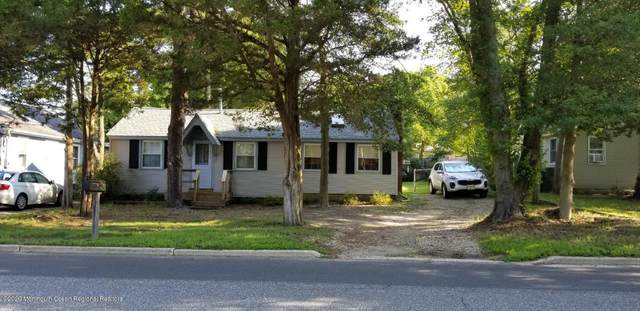 1626 Whittier Avenue, Toms River, NJ 08753 (MLS #22020177) :: The MEEHAN Group of RE/MAX New Beginnings Realty