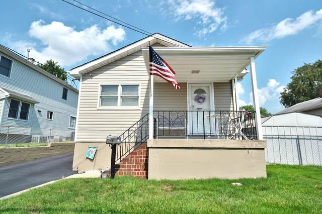 18 Henry Street, Sayreville, NJ 08872 (MLS #22020992) :: The MEEHAN Group of RE/MAX New Beginnings Realty