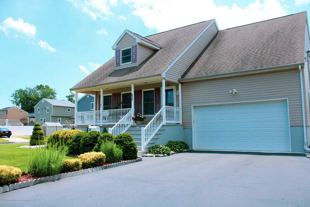 612 2nd Street, Union Beach, NJ 07735 (MLS #22021058) :: The MEEHAN Group of RE/MAX New Beginnings Realty