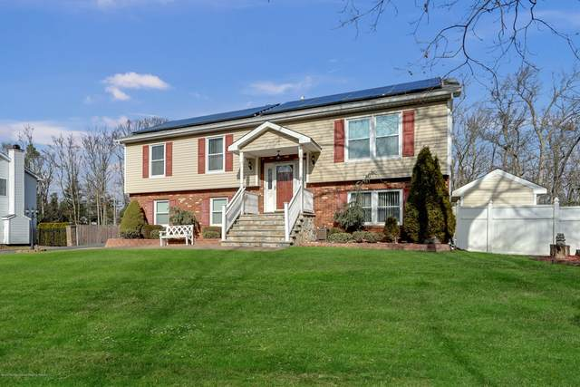 7 Hemlock Hill Road, Jackson, NJ 08527 (MLS #22021678) :: Caitlyn Mulligan with RE/MAX Revolution