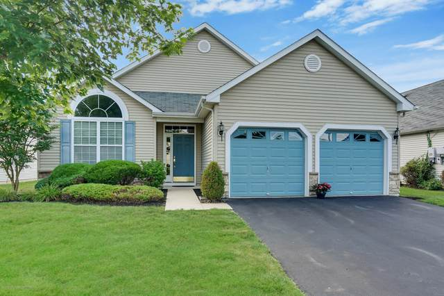 446 Monticello Lane, Lakewood, NJ 08701 (MLS #22022365) :: The MEEHAN Group of RE/MAX New Beginnings Realty
