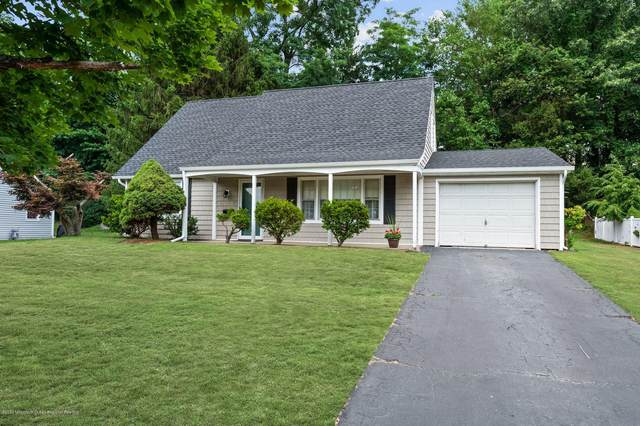 40 Oxford Lane, Aberdeen, NJ 07747 (MLS #22022719) :: The MEEHAN Group of RE/MAX New Beginnings Realty