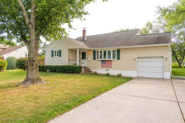 6 Homestead Place, Holmdel, NJ 07733 (MLS #22023041) :: The Sikora Group