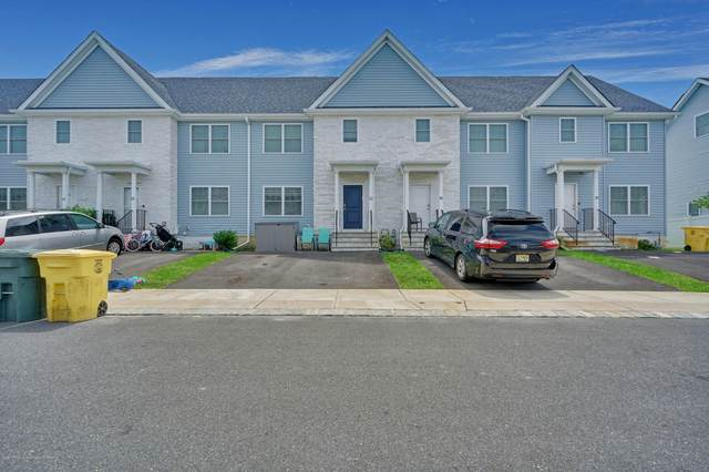 33 Sea Point Drive, Lakewood, NJ 08701 (MLS #22023762) :: The CG Group | RE/MAX Real Estate, LTD