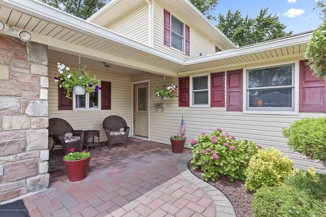16 Donna Place, Aberdeen, NJ 07747 (MLS #22023912) :: The MEEHAN Group of RE/MAX New Beginnings Realty