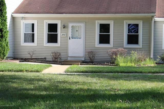 24E Calle De Elvira, Freehold, NJ 07728 (MLS #22024124) :: The Dekanski Home Selling Team