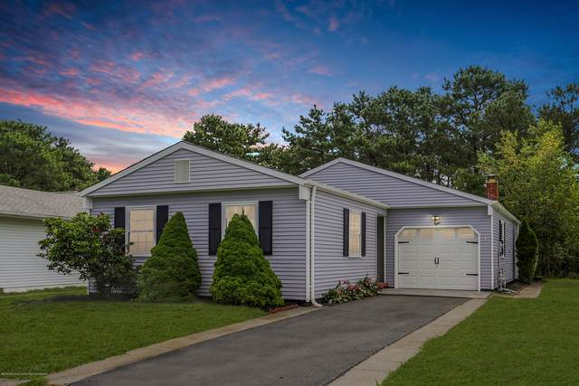 8 Linstead Court, Toms River, NJ 08757 (MLS #22025128) :: The MEEHAN Group of RE/MAX New Beginnings Realty