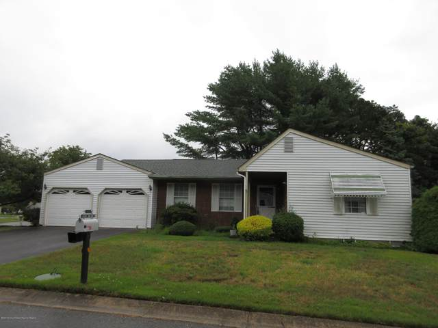 17 Amherst Road, Whiting, NJ 08759 (MLS #22025395) :: The MEEHAN Group of RE/MAX New Beginnings Realty