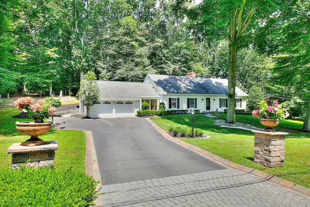 2 Woodland Drive, Colts Neck, NJ 07722 (MLS #22025849) :: The Dekanski Home Selling Team