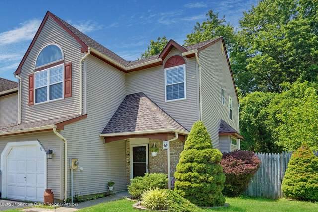 22 Longbrook Lane, Freehold, NJ 07728 (MLS #22025910) :: William Hagan Group
