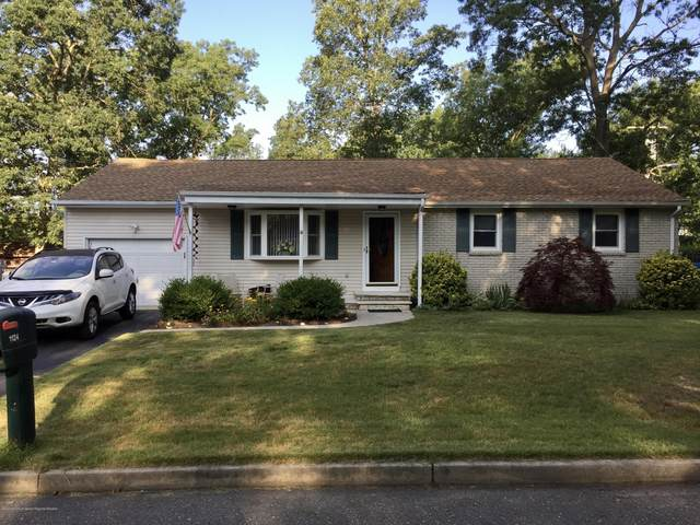 1124 Wake Forest Drive, Toms River, NJ 08753 (MLS #22026112) :: The MEEHAN Group of RE/MAX New Beginnings Realty