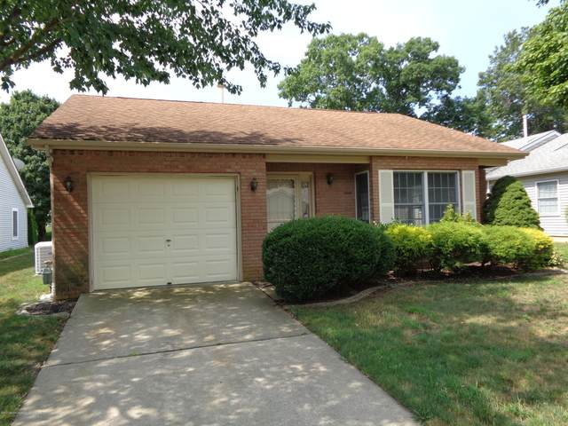 1577 Alpen Lane, Toms River, NJ 08755 (MLS #22026283) :: The MEEHAN Group of RE/MAX New Beginnings Realty