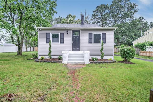 1316 Amsterdam Avenue, Toms River, NJ 08757 (MLS #22026412) :: The MEEHAN Group of RE/MAX New Beginnings Realty