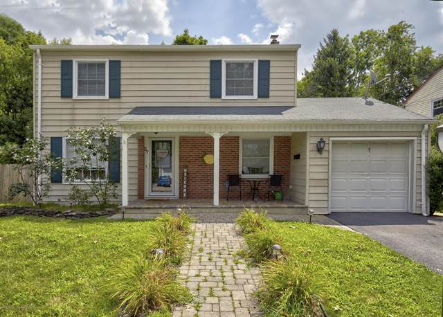 27 Waverly Place, Freehold, NJ 07728 (MLS #22026632) :: The DeMoro Realty Group | Keller Williams Realty West Monmouth