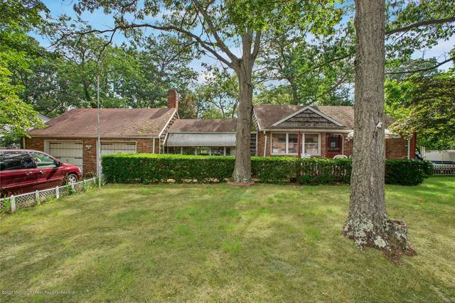 32 Hemlock Road, Howell, NJ 07731 (MLS #22026760) :: William Hagan Group