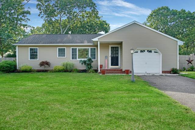 104 Leaf Lane, Toms River, NJ 08753 (MLS #22027445) :: The MEEHAN Group of RE/MAX New Beginnings Realty