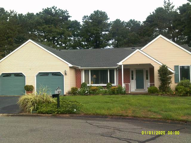 4 Stonybrook Court #60, Whiting, NJ 08759 (MLS #22027526) :: The MEEHAN Group of RE/MAX New Beginnings Realty