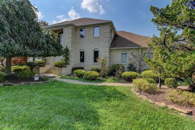 13 Amagansett Drive, Morganville, NJ 07751 (MLS #22027831) :: The Dekanski Home Selling Team