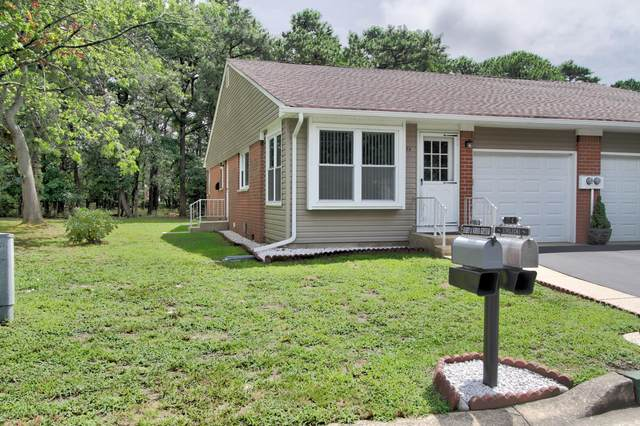 17A Columbus Drive, Whiting, NJ 08759 (MLS #22028071) :: The MEEHAN Group of RE/MAX New Beginnings Realty