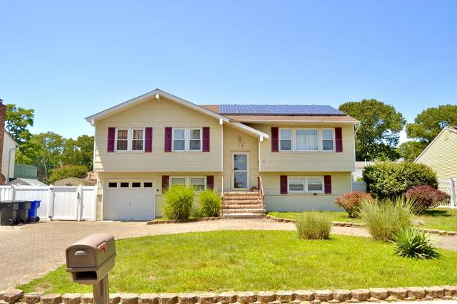 624 Huckleberry Lane, Toms River, NJ 08753 (MLS #22028253) :: The Sikora Group