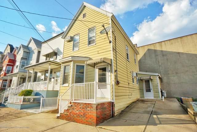 7 W 15th Street, Bayonne, NJ 07002 (MLS #22028280) :: William Hagan Group