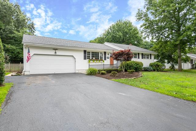 8 Crescent Road, Holmdel, NJ 07733 (MLS #22028292) :: The Sikora Group