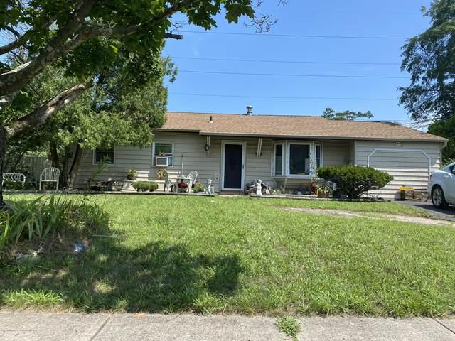 1550 Redondo Lane, Lakewood, NJ 08701 (MLS #22028431) :: William Hagan Group