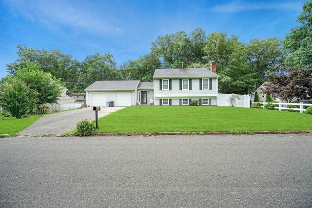 232 Oak Lane, Manchester, NJ 08759 (MLS #22029013) :: Provident Legacy Real Estate Services, LLC