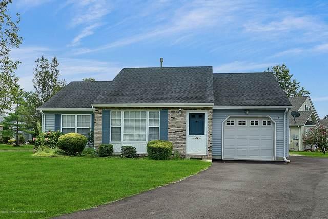 44 Farnworth Close #1000, Freehold, NJ 07728 (MLS #22029331) :: The Ventre Team