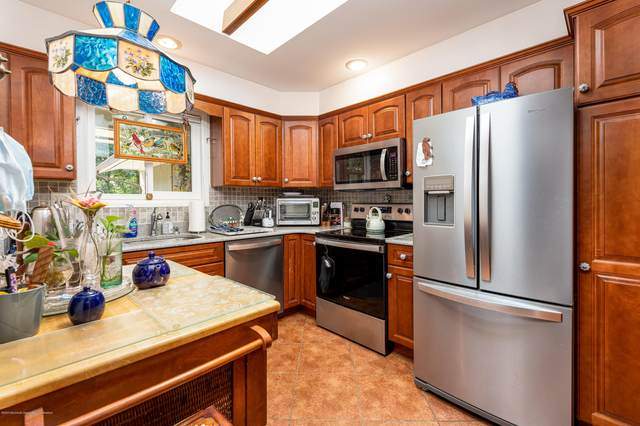 76 Friendship Court, Red Bank, NJ 07701 (MLS #22029788) :: The CG Group | RE/MAX Real Estate, LTD