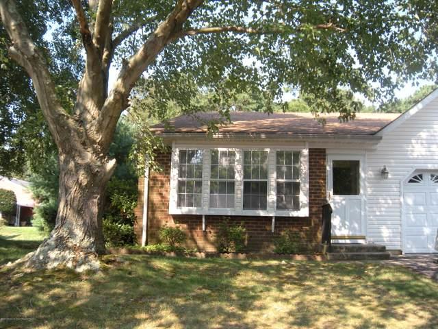 14 Pembroke Lane A, Whiting, NJ 08759 (MLS #22030032) :: William Hagan Group