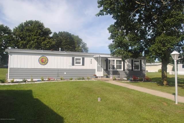 509 Rosalind Road, Freehold, NJ 07728 (MLS #22030125) :: The Dekanski Home Selling Team