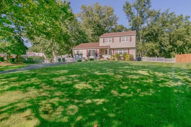 13 Highland Drive, Manalapan, NJ 07726 (MLS #22030406) :: The Sikora Group