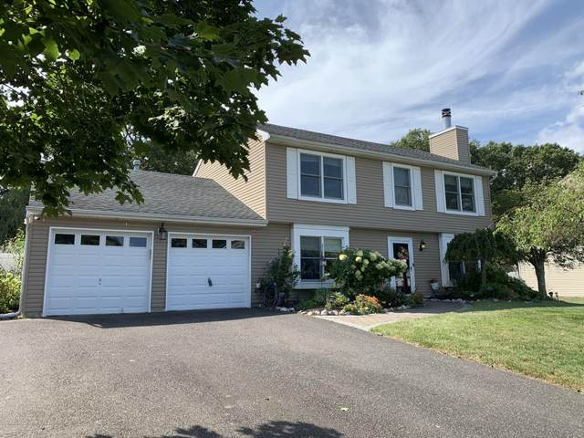 83 Oak Glen Road, Toms River, NJ 08753 (MLS #22031387) :: Kiliszek Real Estate Experts
