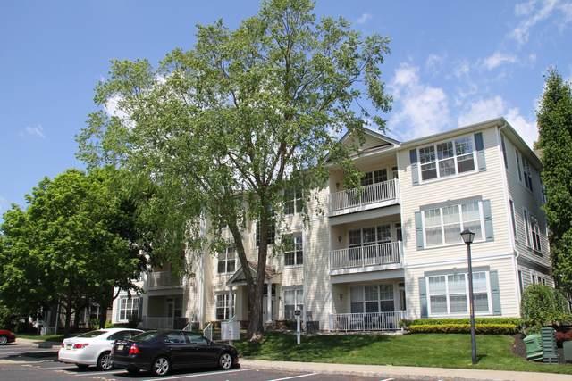 526 Saint Andrews Place, Englishtown, NJ 07726 (MLS #22031715) :: Kiliszek Real Estate Experts
