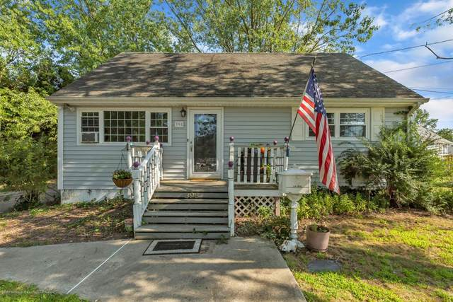 398 Applegate Avenue, Toms River, NJ 08757 (MLS #22032392) :: William Hagan Group